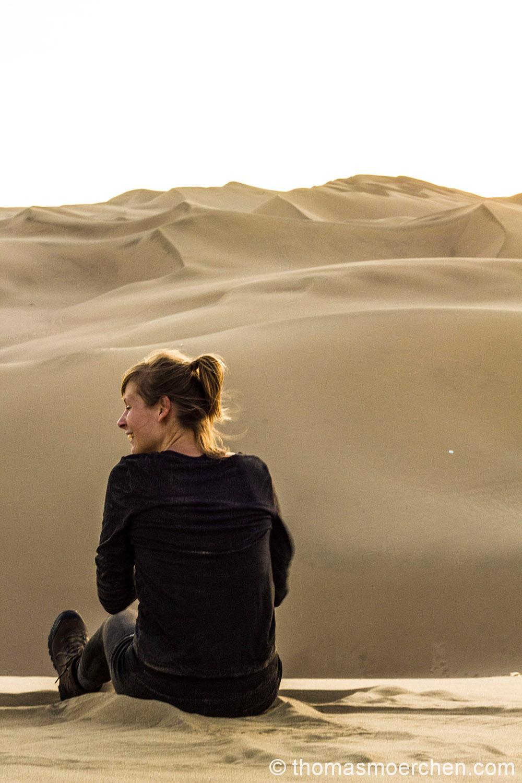 Tine beim Sandengel machen