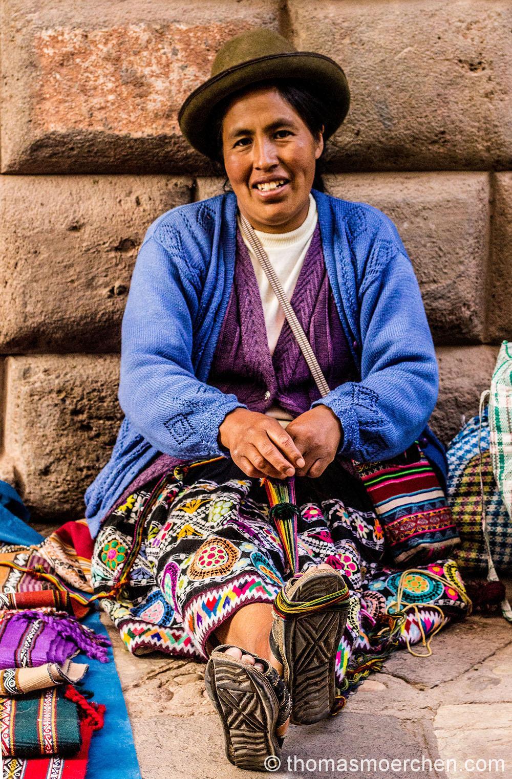 Traditionelle Weberinnen gibt es tatsächlich noch sehr viele in Peru